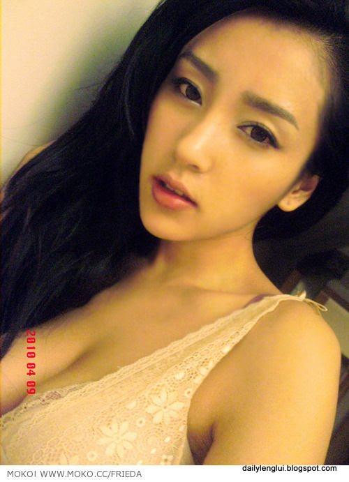 Frieda Hu Yun Er 胡允儿