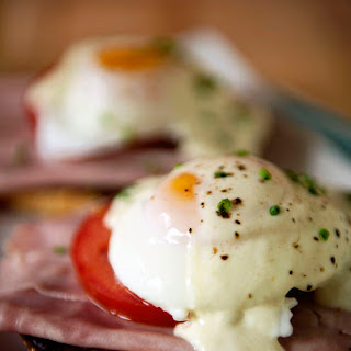 Quick & Easy Eggs Benedict for Two