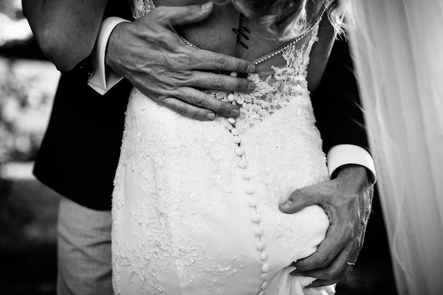 Wedding photographer Leonard Walpot (leonardwalpot). Photo of 12.02.2019