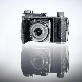 by Steven Put - Products & Objects Technology Objects ( ektor, camera, kodak, 50 mm, compur, analog )