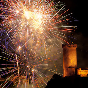 Foix Celebration 2 by Paul Atcliffe - Abstract Fire & Fireworks ( pwcfireworks )