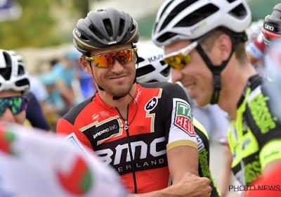 Greg Van Avermaet vloert wereldkampioen Peter Sagan en wint voor het tweede jaar op rij de Omloop