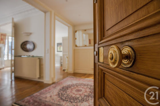 Location appartement meublé 5 pièces 112,64 m2