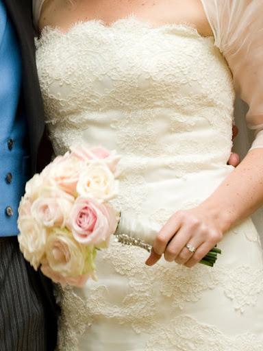 2011-Hot-6672-Wedding-Gown