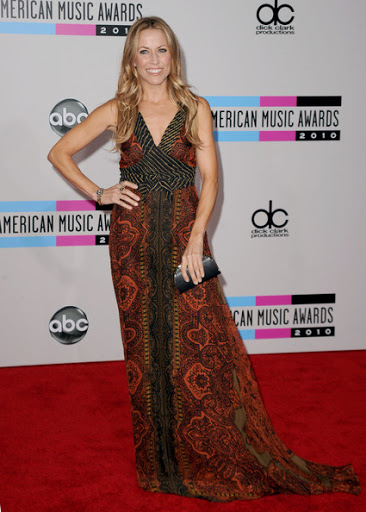 Sheryl Crow Opt Ethnic Print Gown for American Music Awards 2010