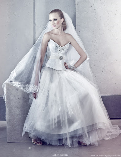 strapless_dipped_v_bridal_gown