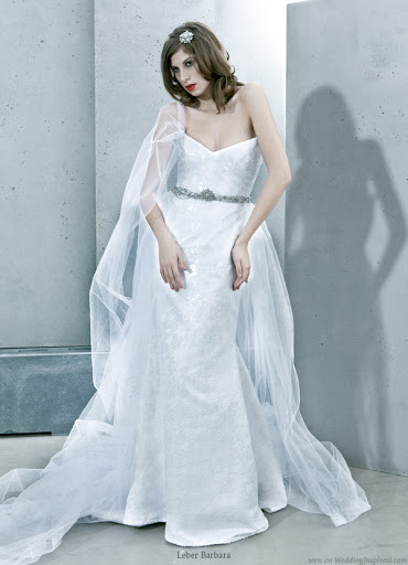 modern-leber-barbara-wedding-gown-2011