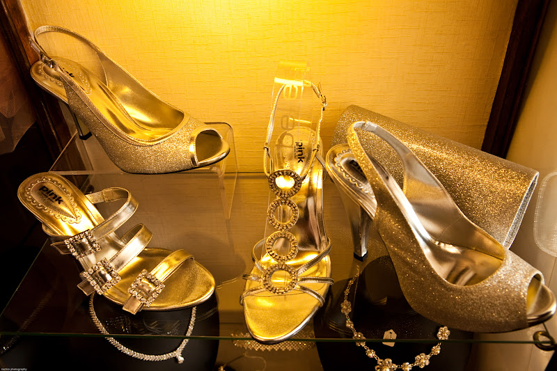 Sparkling_Gold_Wedding_Shoe