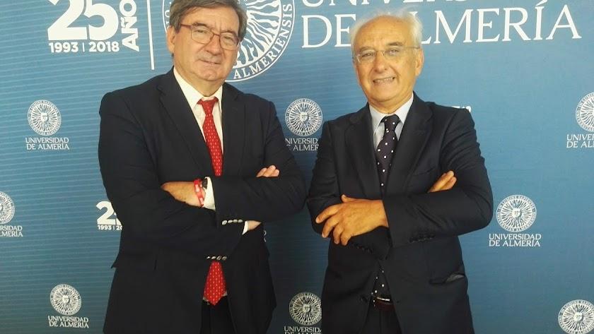 Fernando Martínez y Manuel de la Fuente, subdelegado.