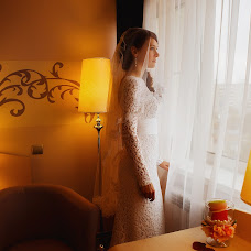 Wedding photographer Olya Permyakova (grafinja). Photo of 11.12.2014