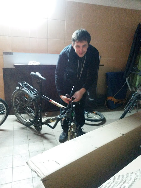Kolejne pakowanie rowerów