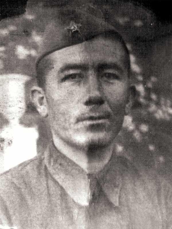 Зуфаров Анвар - рядовой 35 осбр. Погиб 5 декабря 1941 года в бою за станцию Луговая. Захоронен в Братской Могиле Луговой.