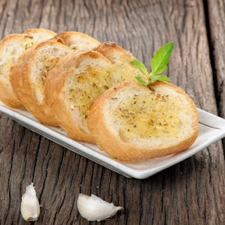 French Bread With Garlic Spread