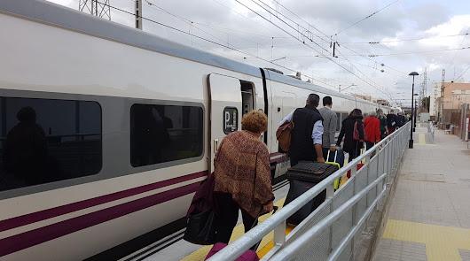 Pocos trenes y aviones en la nueva normalidad en Almería