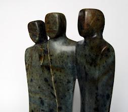 Photo: VENDUE - Les Copains d'abord - Stéatite  Dimensions(cm)  28 x 20 x 8