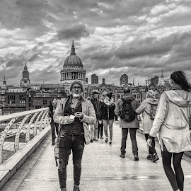 London by Gjunior Photographer - Black & White Buildings & Architecture ( cityscape, black and white, people, architecture )
