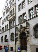 Photo: Městské paláce mají zdobné vchody