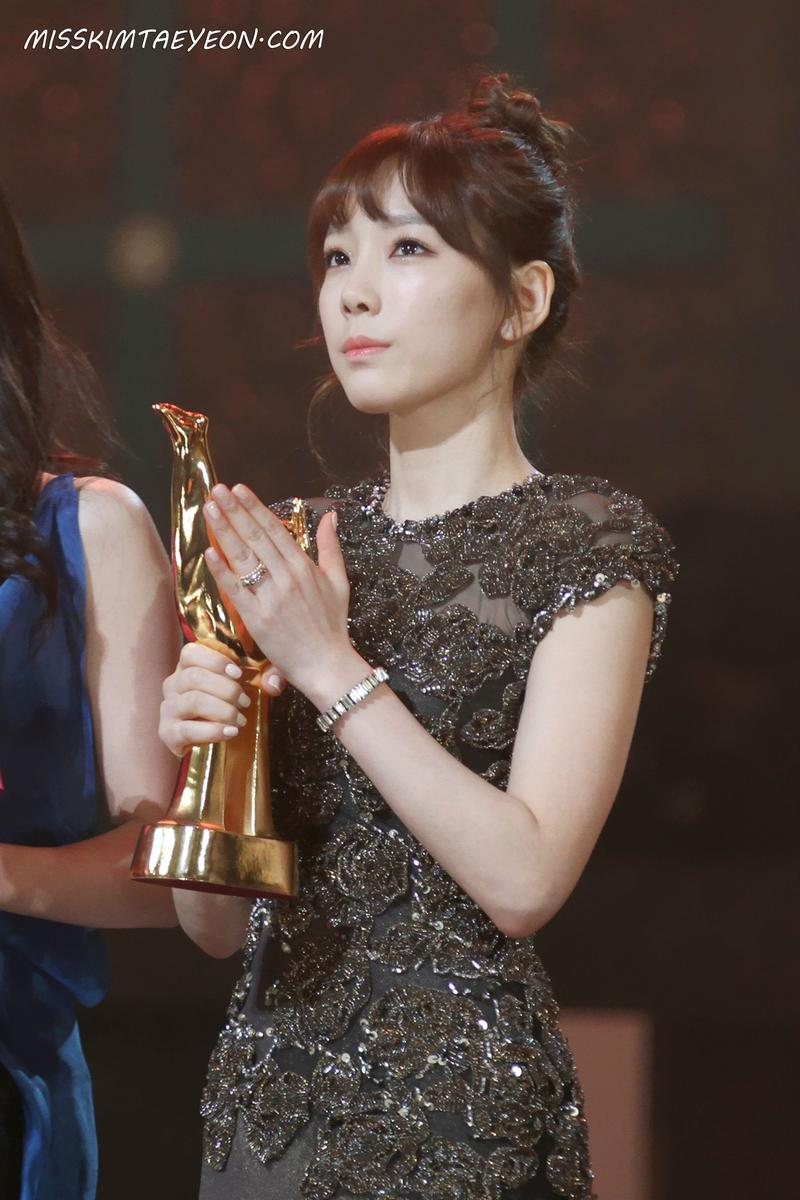taeyeon gown 8