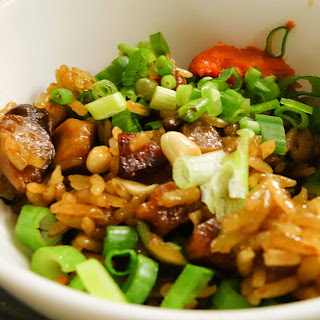 Steamed Glutinous Rice with Dried Shrimps, Chinese Sausage and Mushrooms (Lor Mai Farn).