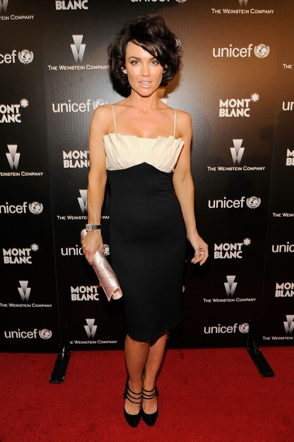 Kelly Carlson is a brunette now? Not sure I like that…(celebrities-3photos)3