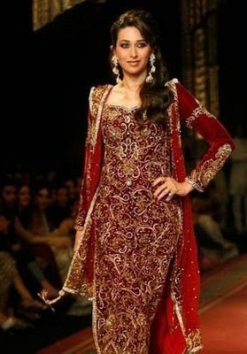 Karishma Kapoor in fashion show
