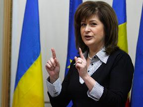 """rovana plumb c Rovana Plumb le cere femeilor să semneze petiția """"În apărarea Statului de Drept"""""""
