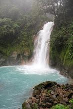 Photo: so genug gecheckt, ab sofort wird gestaunt: Wasserfall im NP Vulkan Tenorio - Wanderung zum Rio Celeste...