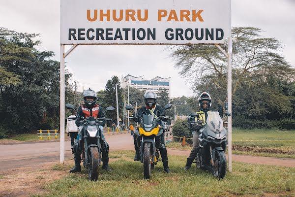 Mujeres motoristas en Kenia