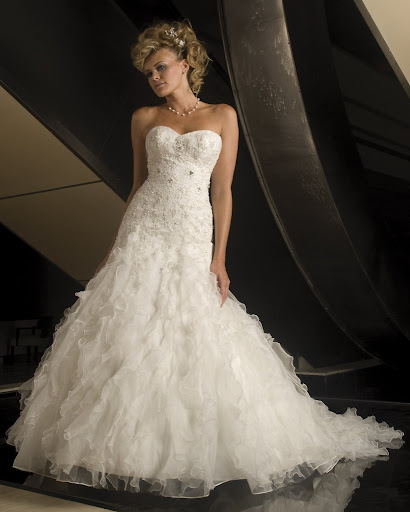 formal-wedding-dress-with-bold-ruffles-skirt