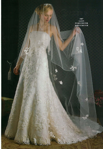 Christina-Wu-romantic-wedding-gown-perfect-attire