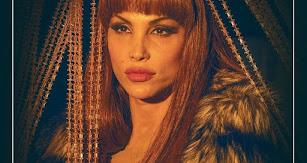 Detalle del cartel promocional de la serie 'Veneno'.