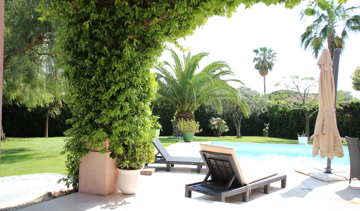 House with pool and garden Cap d'Antibes