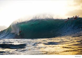 Photo: Pipeline, Hawaii. Photo: Ellis
