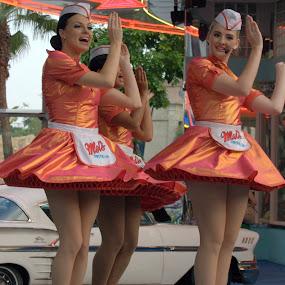 Entertainers by Saravanan Veeriah - People Musicians & Entertainers ( dancers, entertainers, group, women, dance )
