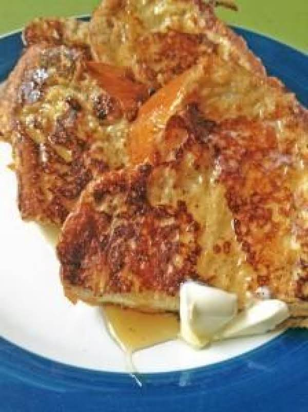 Delicious Cast Iron Skillet Challah Bread French Toast.  Http://www.thelittleblondebaker.com/cast-iron-skillet-challah-bread-french-toast/