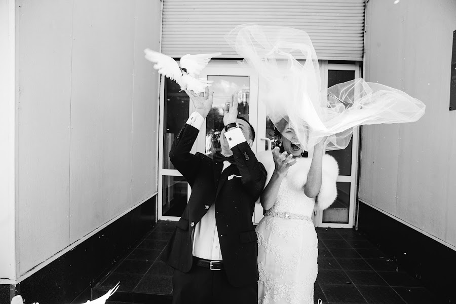 Wedding photographer Yuriy Gusev (yurigusev). Photo of 18.11.2015