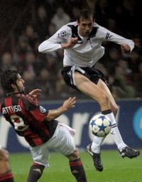Crouch and Gattuso, AC Milan - Tottenham Hotspur