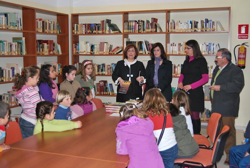 Entrega de libros al Club de Lectura