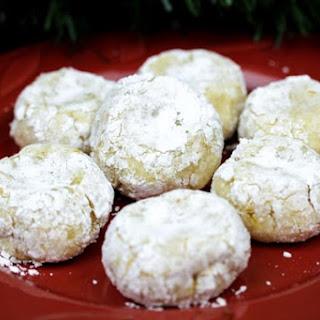 Ricciarelli Almond Cookies