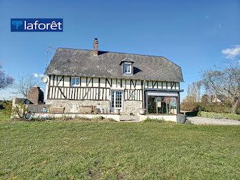 maison à Beaumont-le-Roger (27)