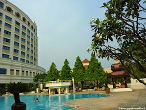 Photo: #005-Mandalay, le Mandalay Hill Resort. La piscine.