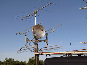 Photo: K8GP / Rover - FN00RG - Microwave antennas and moonset