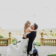 Wedding photographer Anna Kozdurova (Chertopoloh). Photo of 24.08.2016