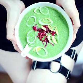 2 Min Cold Green Peanut Soup