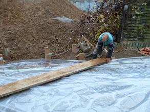 Photo: hier wird uns ein Notausgang gebaut