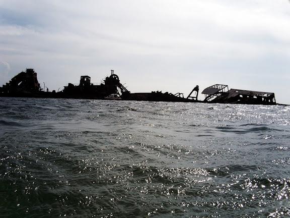 沈没船・モートン島