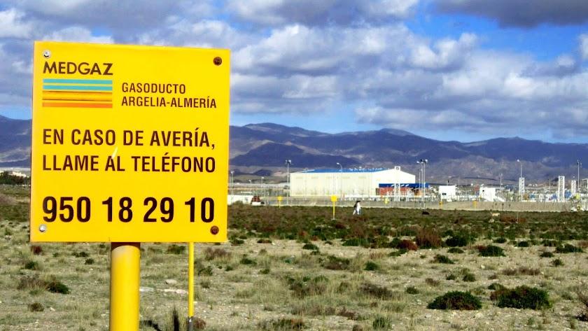 Las instalaciones de Medgaz en la playa almeriense de El Perdigal podrían verse reforzadas si se acomete un nuevo incremento de capacidad.