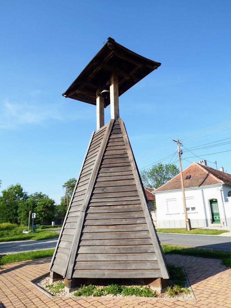 Lukácsháza - Kiscsömötei faharangláb