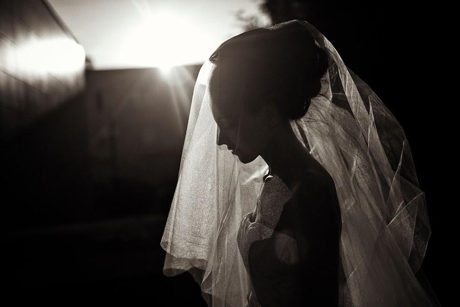 Wedding photographer Vasiliy Tikhomirov (BoraBora). Photo of 26.08.2013