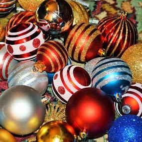 Ornament Chaos  by Beth Bowman - Public Holidays Christmas (  )